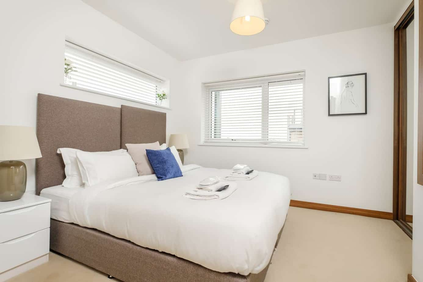 Tailored Stays grand central cambridge serviced apartment master bedroon with ensuite