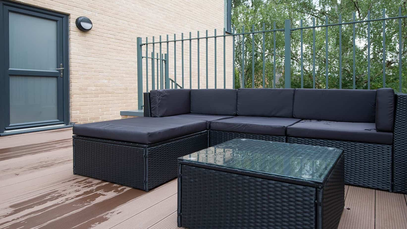 Outside terrace at the Tailored Stays Executive Townhouse Cambridge serviced apartment
