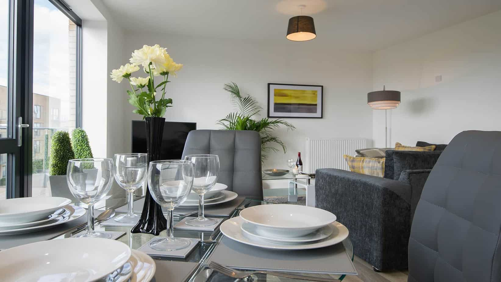 Tailored Stays serviced apartment cpompany cambridge offer large living and dining space