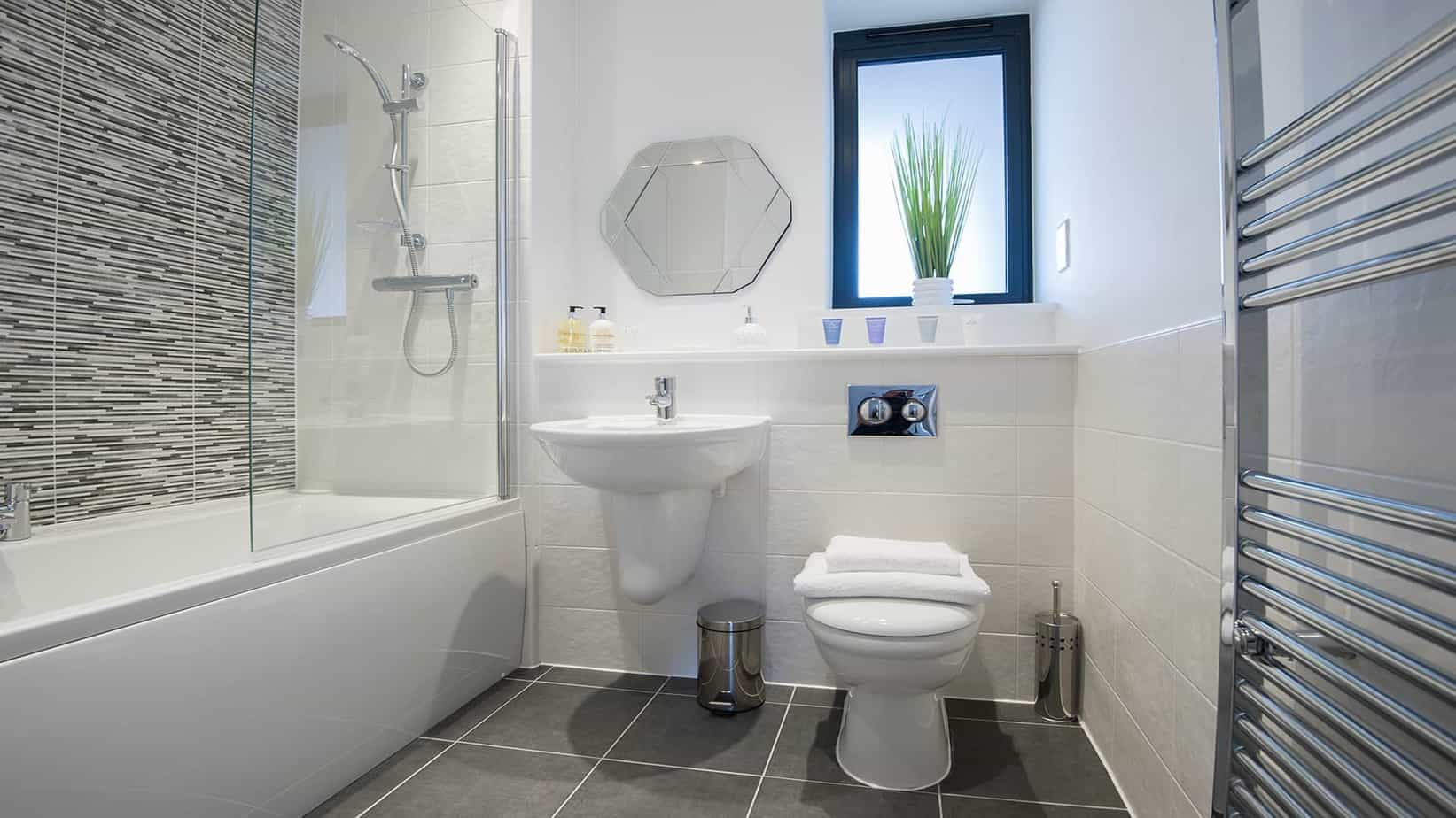 Tailored Stays serviced apartment luxury bathroom